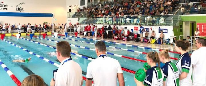 Ecoculture renueva su patrocinio con el club de natación Hart Swimming Pool